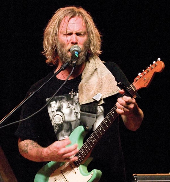 Review: Anders Osborne a guitarist possessed, and that's a good