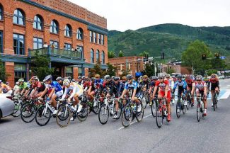 The second day of the USA Pro Challenge in Colorado saw cyclists leave Aspen en route to Crested Butte on Tuesday. American Robin Carpenter claimed the Stage 2 win in a race that was stopped for five minutes because of heavy rain outside of Crested Butte.