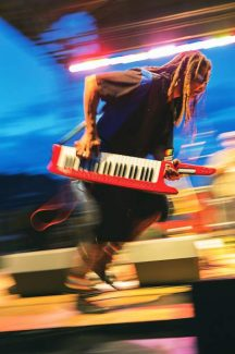 Keyboardist Paul Hampton of the band Fishbone works the stage while playing on Fanny Hill in Snowmass on Thursday evening. The concert wrapped up the summer's Thursday night concert series in Snowmass.