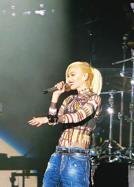 No doubt im just a girl live