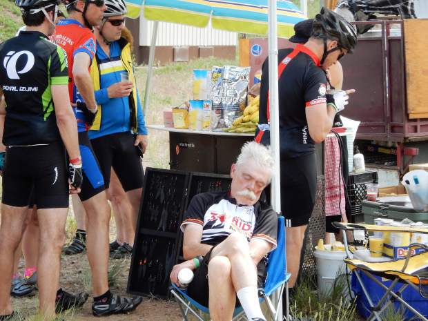 This rider was able to nap Sunday even with blenders blaring near his ears at a smoothie stand set up along the Carbondale-to-Aspen route.