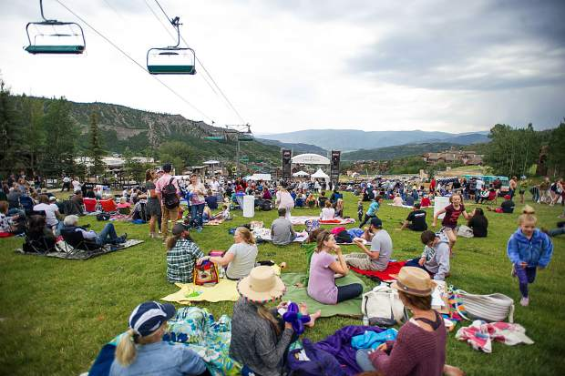 The crowd for the free Snowmass concert on Fanny Hill Thursday night featuring bluegrass band Head for the Hills.