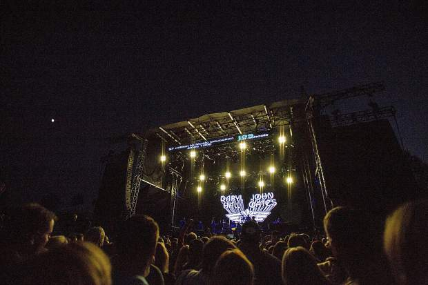 The start of Hall and Oates playing at JAS Aspen Snowmass Labor Day Experience Friday night in Snowmass.