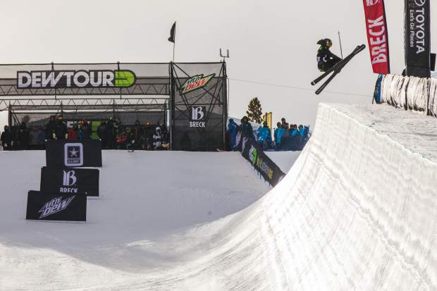 A week after winning the U.S. Grand Prix ladies ski halfpipe at Copper Mountain Resort, Marie Martinod of France qualified in second place at the same event at the Dew Tour on Wednesday with a score of 86.33.