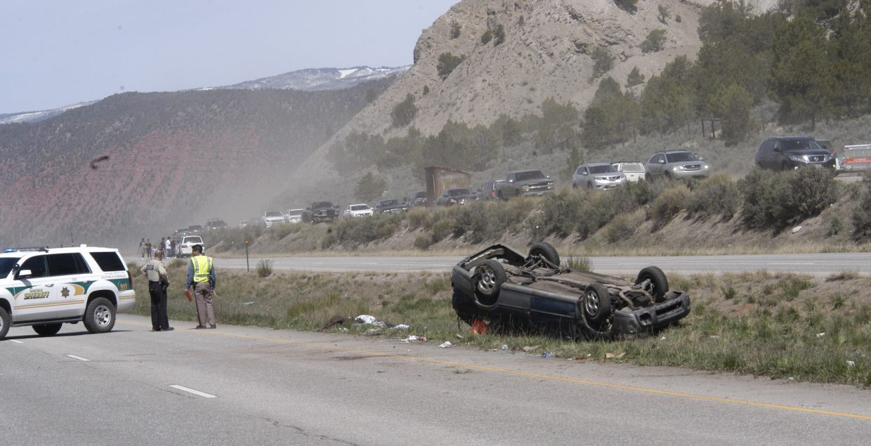 Father, two children in critical condition after Highway 82 crash ...