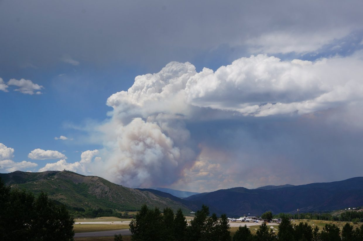#LakeChristineFire taken from near the Aspen Airport on July 4 at 3 p.m.