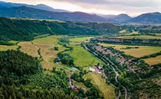 Business Monday: Woody Creek's Circle R Ranch going to auction, bidding starts at $10 million