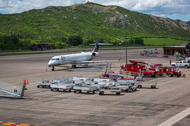 Commercial airlines to resume normal operations at Aspen airport ...