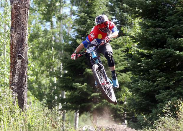 Frisco's Ben Ferrante competes in the expert men's division of the Big Mountain Enduro Finals on Sunday, Aug. 5, 2018, in Snowmass. Aspen local Whit Boucher won the division, part of a Roaring Fork Valley sweep. (Photo by Austin Colbert).