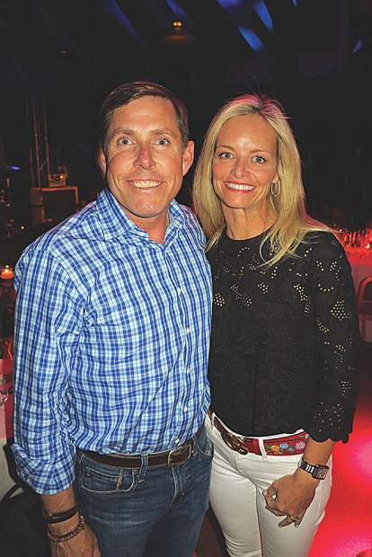 Former pro golfer Justin Leonard with his wife, Amanda.