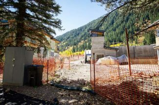 Parties meet over Aspen Club litigation as refinancing delay continues