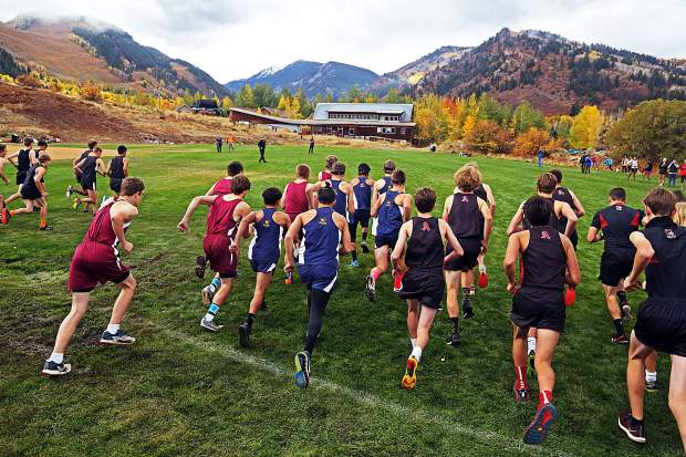 The boys varsity race gets underway at the Aspen High School cross country meet on Saturday, Oct. 6, 2018. (Photo by Austin Colbert/The Aspen Times).