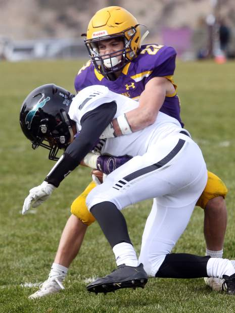 Basalt's Jake Reardon brings down a D'Evelyn receiver on Saturday, Nov. 3, 2018, in Basalt. (Photo by Austin Colbert/The Aspen Times).