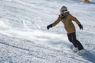 Snow, ski pass war and new Limelight expected to boost Aspen-Snowmass