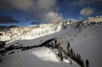 Arapahoe Basin breaking away from Vail Resorts pass partnership; Vail adds new Keystone pass