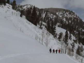 Report: Aspen men ski through avalanche debris before deadly slide