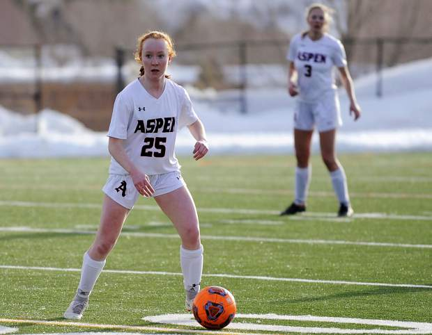 Steamboat Springs girls soccer knocks off Aspen, winning 5-4 despite a hat trick from Francis