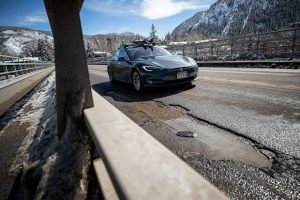 Aspen problems: Pothole on new bridge reappears