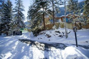 Lender withdraws foreclosure on Aspen Club