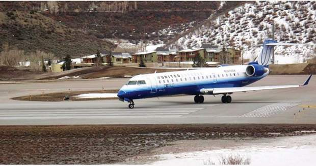 Business Monday: Aspen-bound commercial airplanes fuller this winter