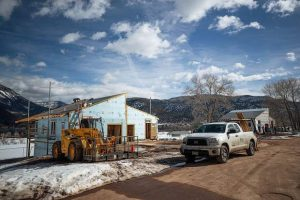 Despite snow and cold, volunteers help make Habitat's Basalt project happen