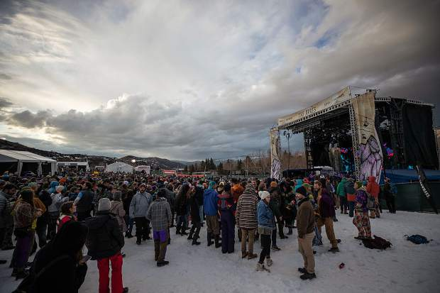 The crowd at The Apres Festival at Buttermilk on Saturday night.
