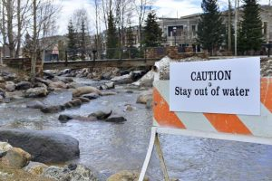 Orange stain on Blue River in Breckenridge fades as officials watch drinking water