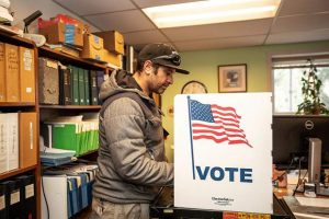 Aspen mayoral runoff election is today between Mullins, Torre