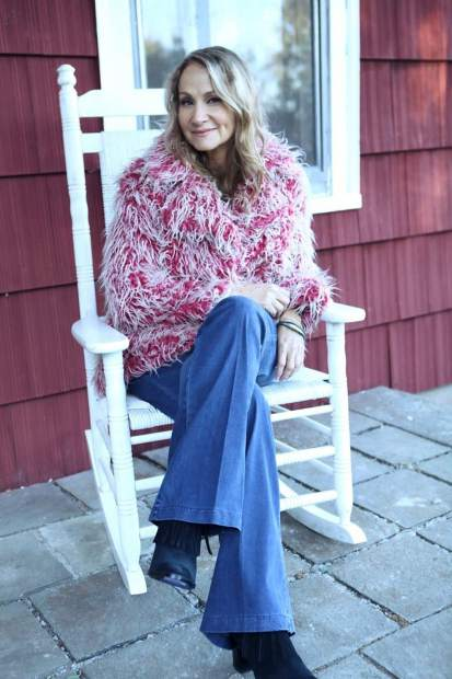 Joan Osborne will perform the songs of Bob Dylan on Friday at The Temporary at WIllits.