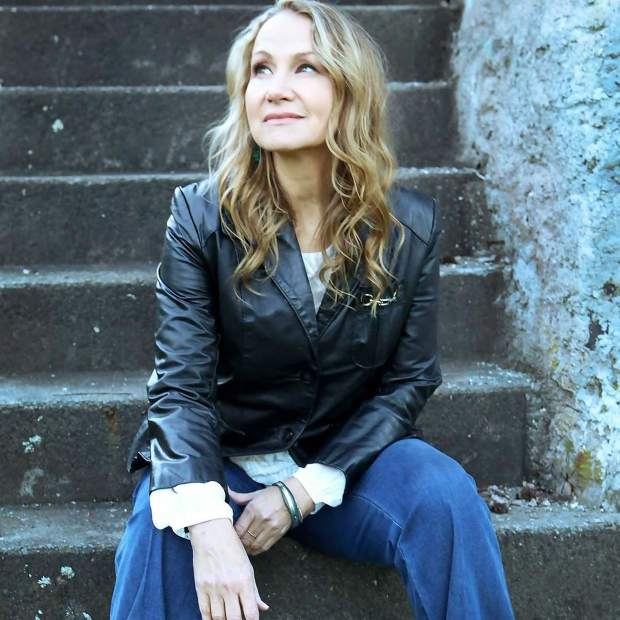 Joan Osborne will bring her Bob Dylan tribute tour to The Temporary at WIllits on Friday.