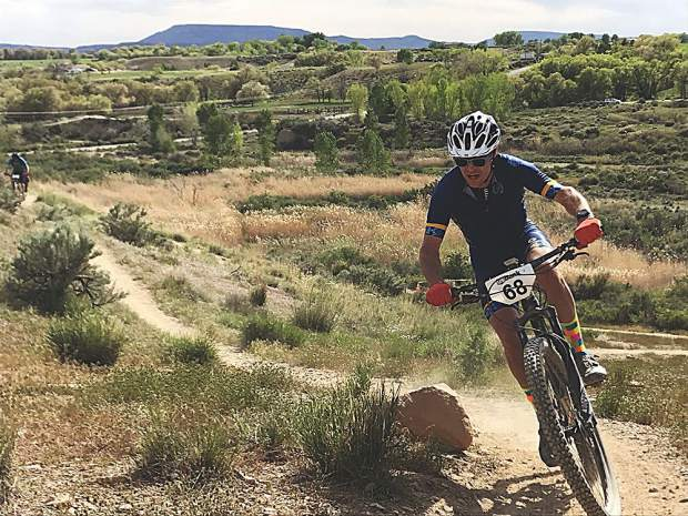 Nathan Nelson rounds a corner on an afternoon lap. Diana Ettlinger photo.