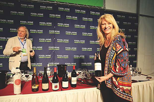 Wine educator Kevin Zraly photobombs a moment with wine speaker Leslie Sbrocco after her Sunday morning seminar.