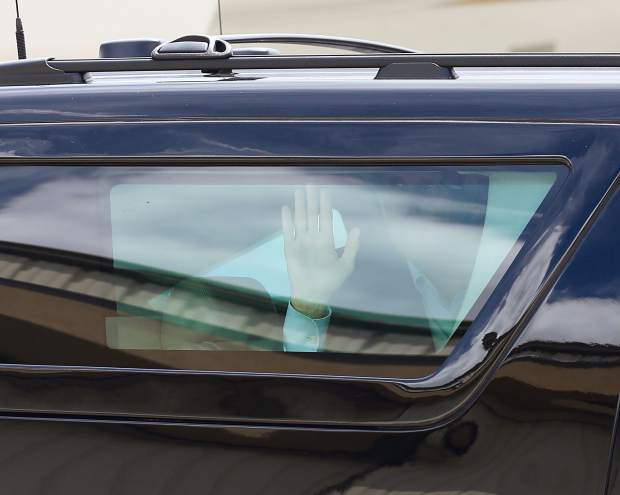 Vice President Mike Pence waves goodbye from inside his motorcade after arriving at the Aspen/Pitkin County Airport on Monday, July 22, 2019. He came to Aspen for a fundraiser and was expected to depart on Tuesday. (Photo by Austin Colbert/The Aspen Times)