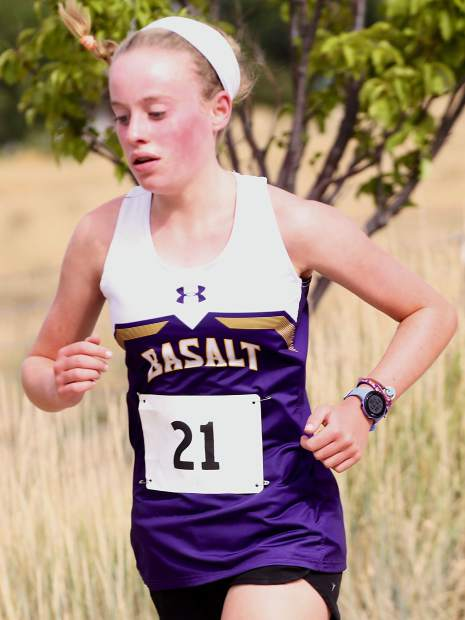 Basalt High School freshman Sarah Levy competes in the Longhorn Invitational on Saturday, Aug. 24, 2019, at Crown Mountain Park. (Photo by Austin Colbert/The Aspen Times)