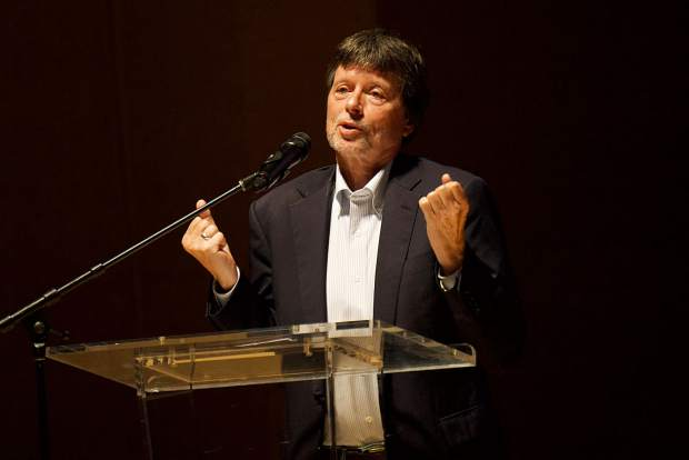 Filmmaker Ken Burns addressing the audience before a preview screeening of