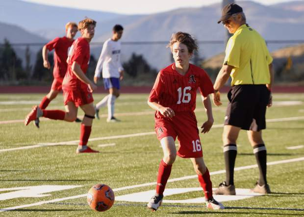 Aspen High School boys soccer plays against Moffat County on Tuesday, Sept. 24, 2019, on the AHS turf. Aspen won, 11-1. (Photo by Austin Colbert/The Aspen Times)