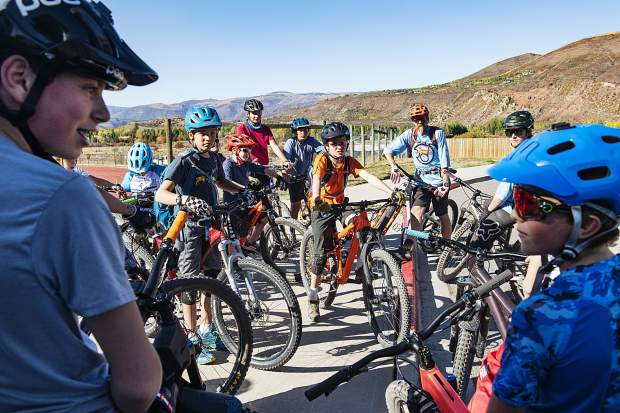 After school program introduces middle schoolers to mountain biking
