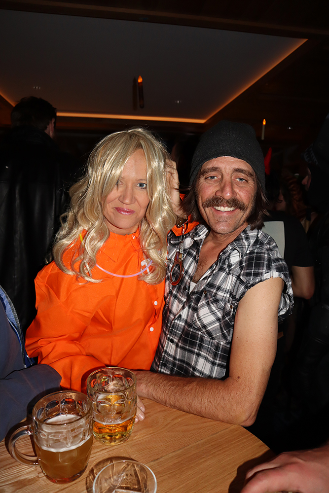 Felicity Huffman, fresh out of the slammer with her hubby, William H. Macy.