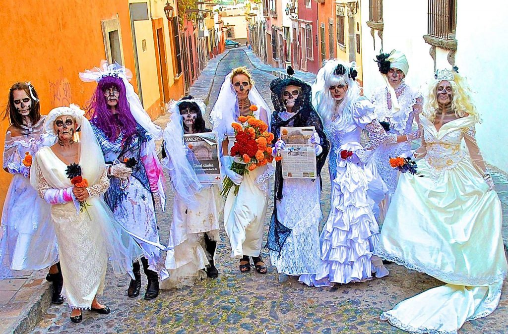 A collection of Aspen lookers visited San Miguel d'Allende, Mexico, for Día de los Muertos, or Day of the Dead, but they found some lively news in The Aspen Times.