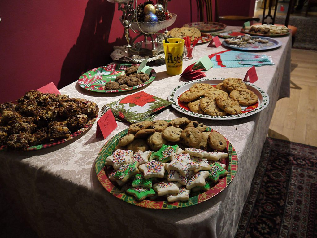 Aspen Historical Society opens winter season with cookie exchange and caroling