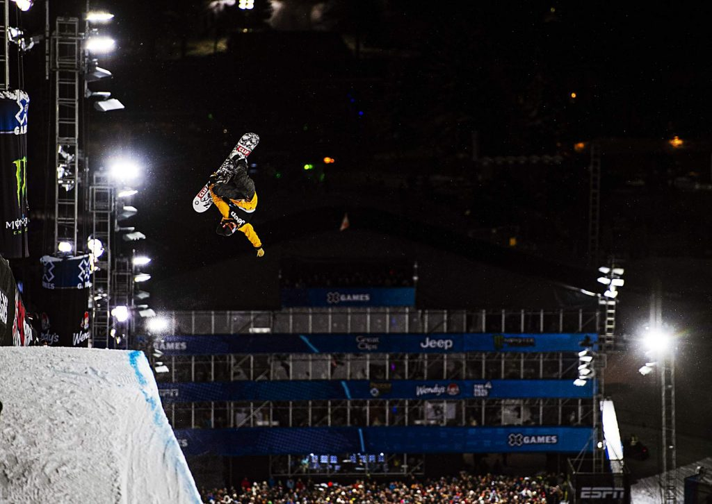 Taylor Gold competes the men's snowboard superpipe final on Thursday, Jan. 23, 2020. (Kelsey Brunner/The Aspen Times)