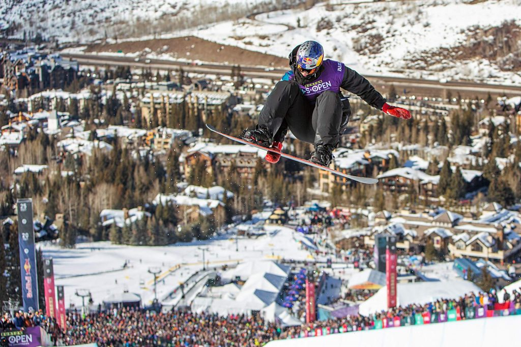 Scotty James wins 3rd place in the Halfpipe Finals.