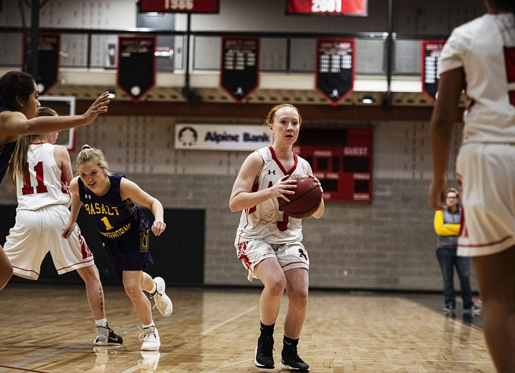 Aspen's Kelley Francis (3) looks for an open teammate during the game against Basalt on Thursday, Feb. 20, 2020. (Kelsey Brunner/The Aspen Times)