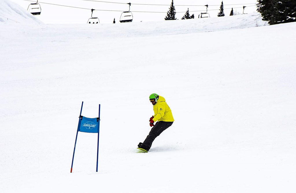Challenge Aspen's Matthew Boyd practices slalom snowboarding on the NASTAR course at Snowmass on Thursday, Jan. 30, 2020. (Kelsey Brunner/The Aspen Times)