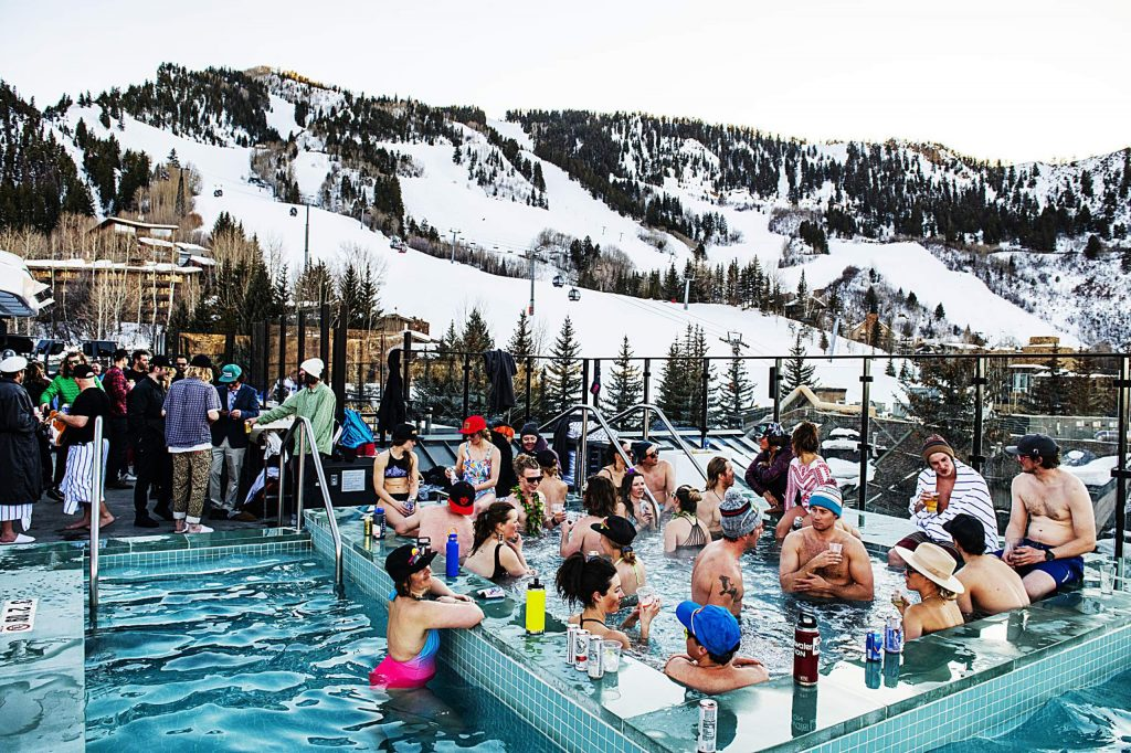 People enjoy Aprés and the view of Aspen Mountain on the rooftop of The W on Thursday, March 5, 2020.