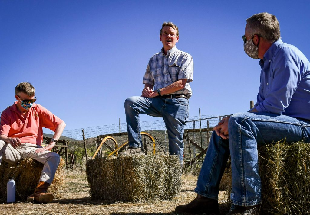 Hickenlooper stumps for Thompson Divide protection while on Carbondale stop