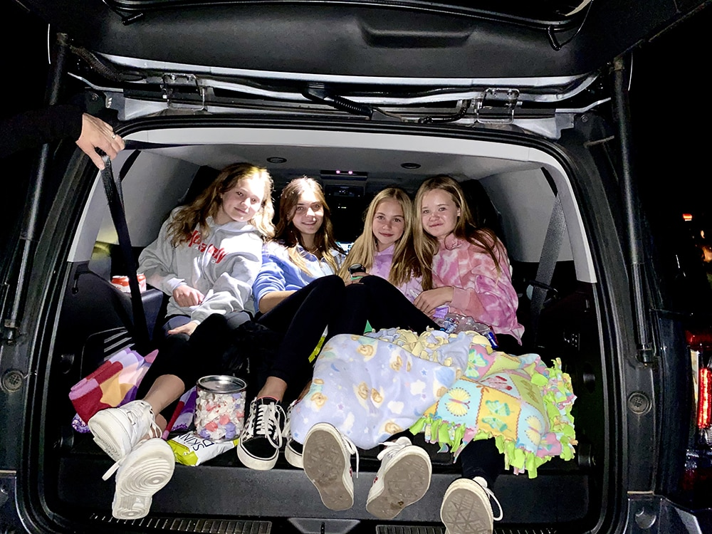 Cute tailgate crew - Grace Gallagher, Eloise McDonough, Blythe Bradshaw and Delilah Hemstreet.