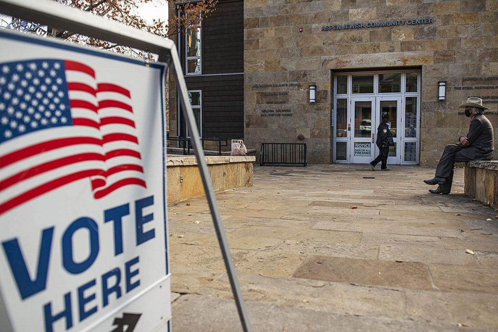 A security guard monitors the front of the Aspen Jewish Community Center on Election Day, Tuesday, Nov. 3, 2020. (Kelsey Brunner/The Aspen Times)